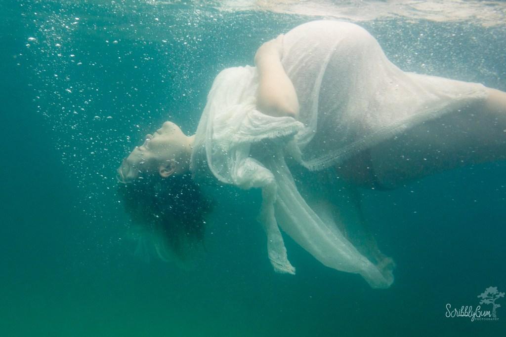 Wollongong Underwater Maternity Photographer