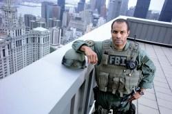 800px-FBI_SWATagent