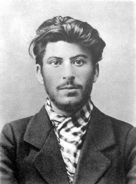 800px Stalin 1902