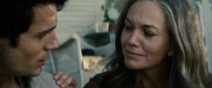 """Clark e Martha Kent em """"Homem de Aço"""", de 2013."""