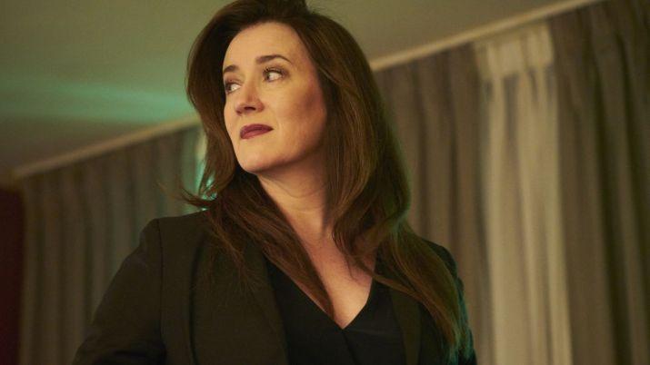 Siobhan (Maria Doyle Kennedy)