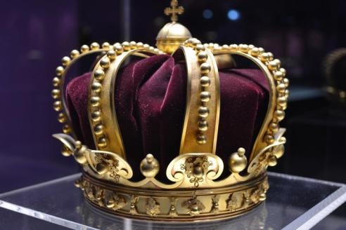 king_crown_history_1304612