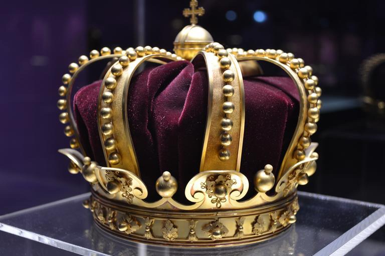 king_crown_history_1304612