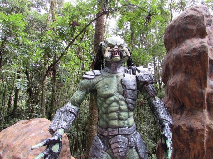 predator_monster_terror_horror