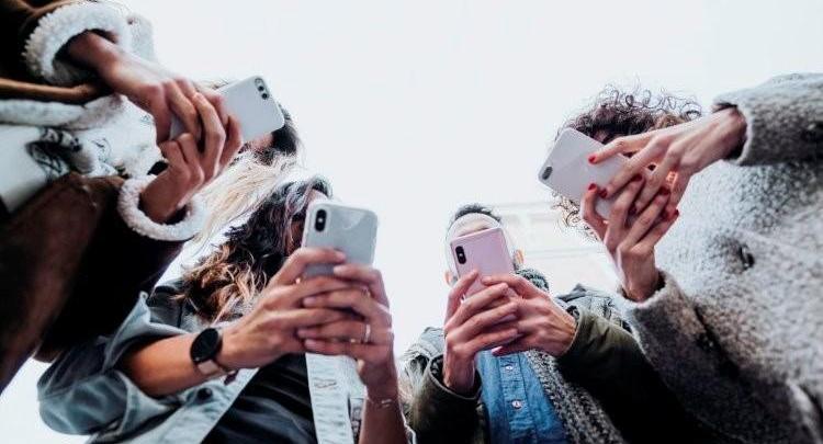 Photo of Facebook-ის კონტრაქტორები ახდენენ მომხმარებლების შეტყობინებების განხილვასა და კლასიფიცირებას ხელოვნური ინტელექტის სწავლებისათვის