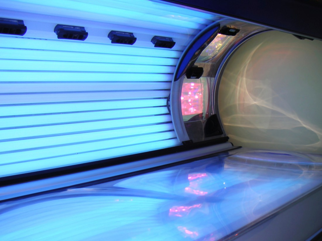 indoor tanning causes cancer