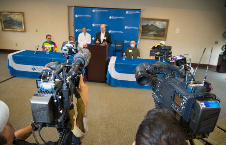 Media joins transplant leadership and organ recipients at Baylor Dallas for a press conference celebrating milestone in transplant history for the Baylor Simmons Transplant Institute.