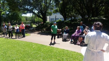 Rita Hamilton, MD, kicks off the first Walk and Roll with Walk With a Doc event.