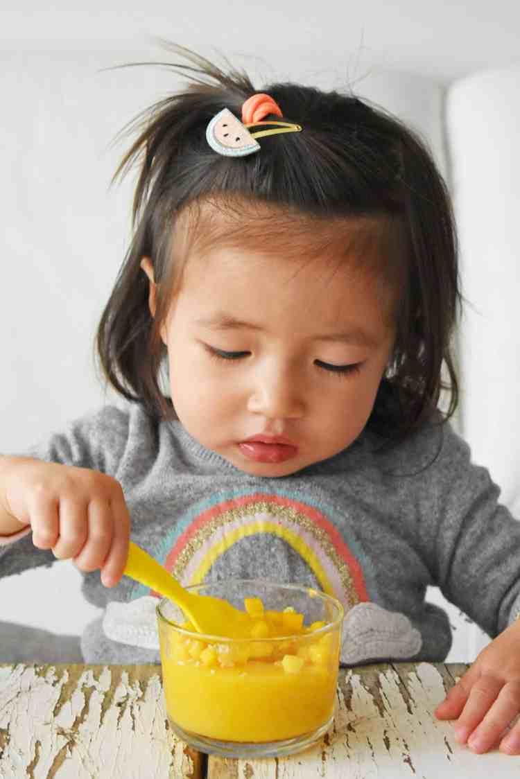 Maddy Eats Mango Pudding