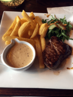 Fillet steak and chips, Henrick's, Edinburgh.
