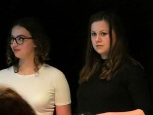 Anne en Judith tijdens de prijsuitreiking - Foto: Nadieh Ligtenberg