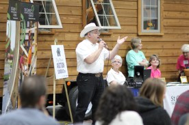 Auctioneer Col. Frank Imholte (Black Diamond Auctions)