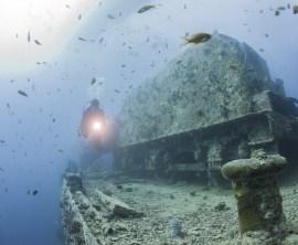 Scuba diver exploring Thistlegorm