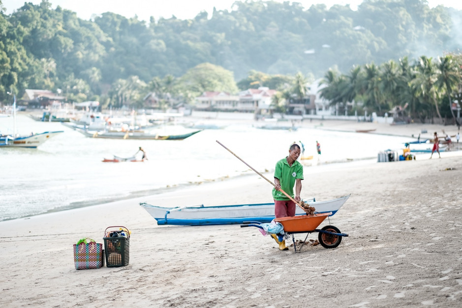 Beach cleanups are becoming common across the world. Courtesy of the Reef World Foundation