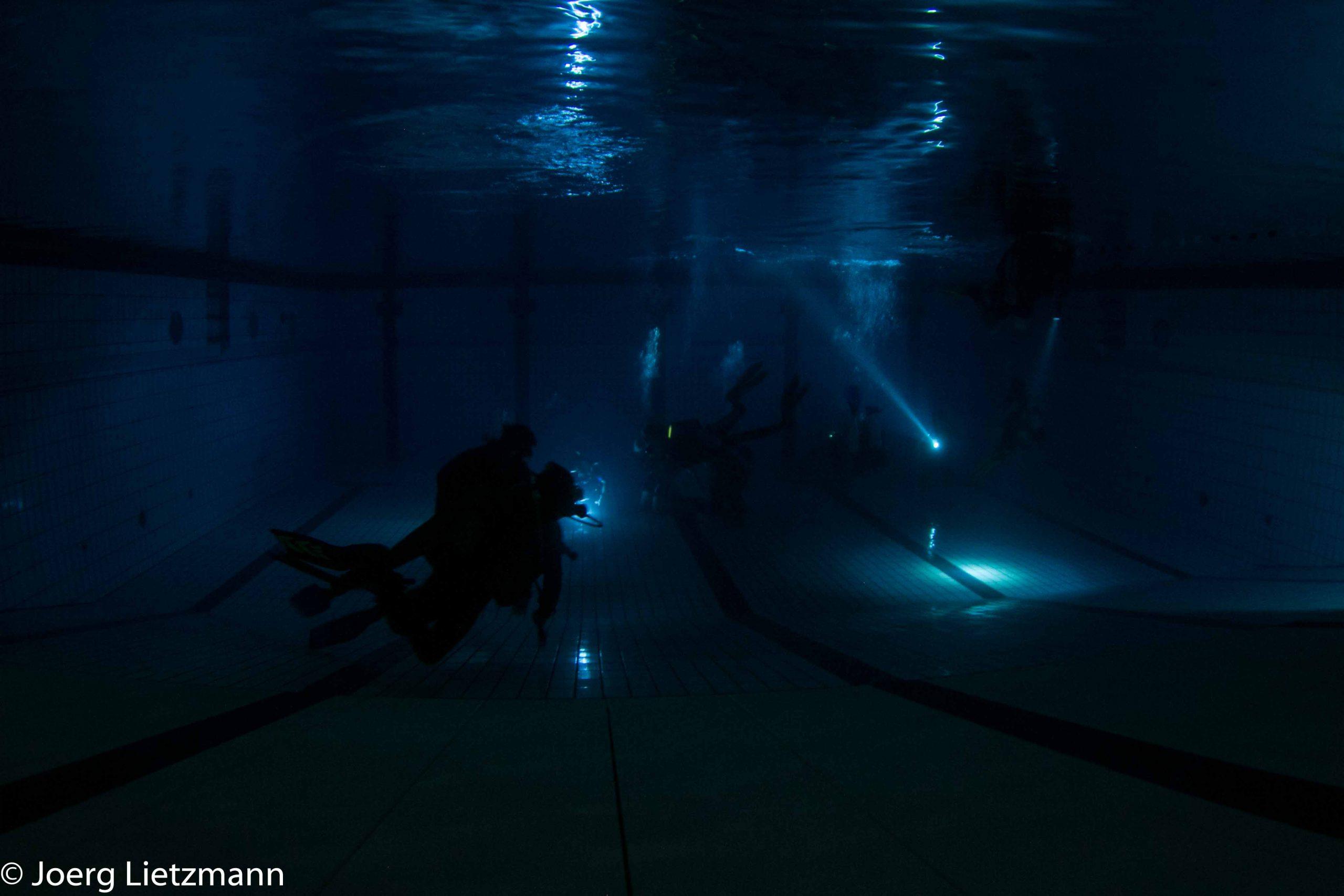 Night Dive am 15. Februar im Hallenbad Baienfurt