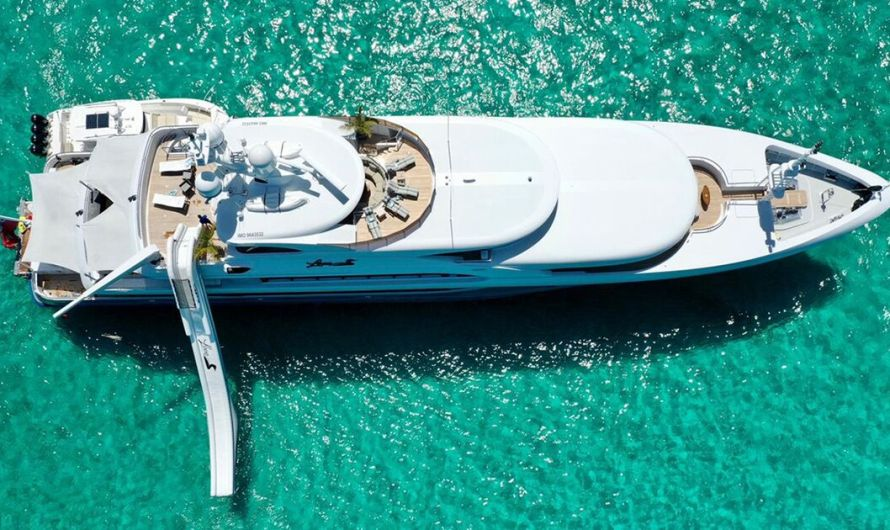What It's Like to be the Dive Instructor on a Super Yacht