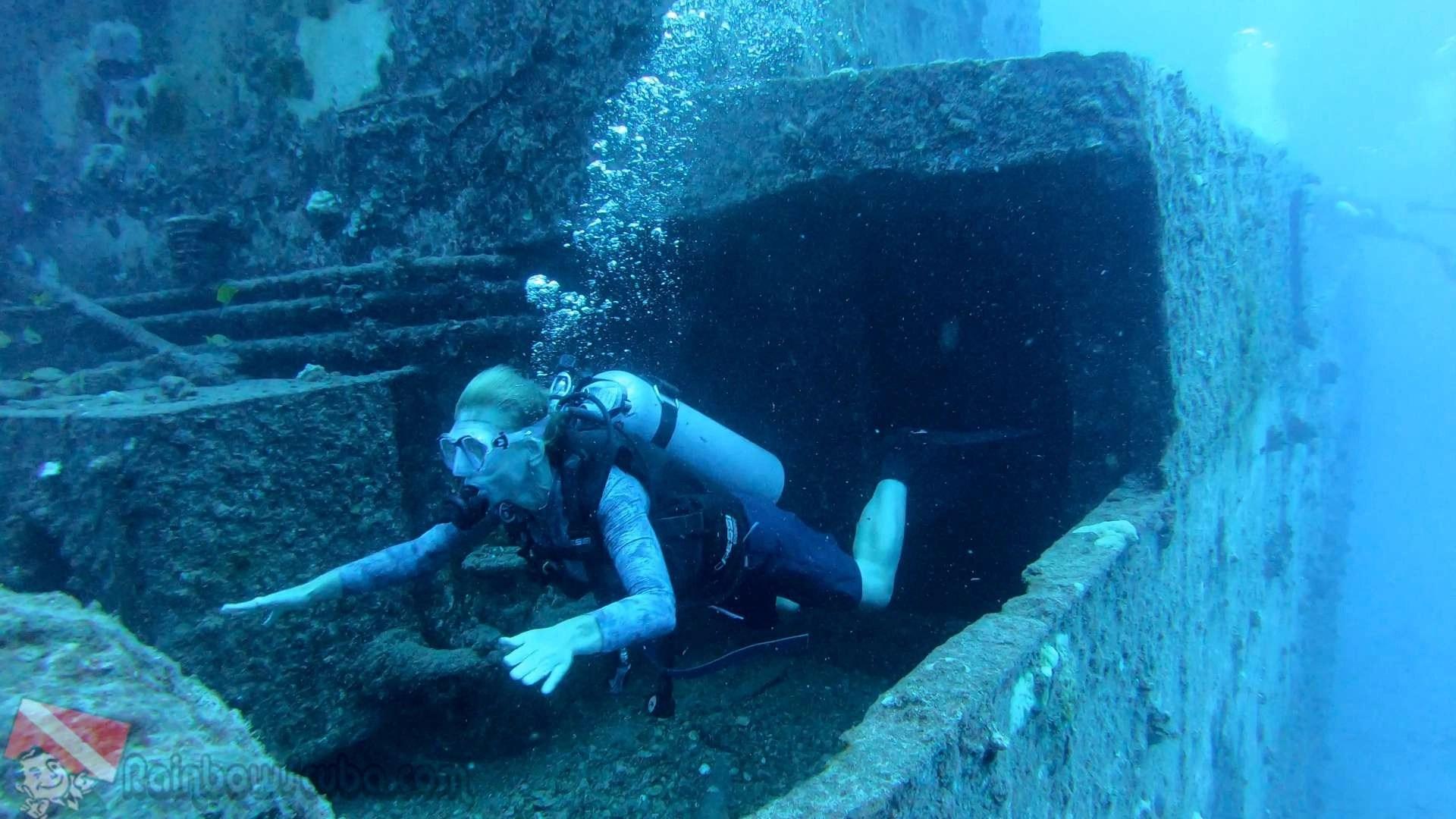Shipwreck Scuba Tour In Waikiki