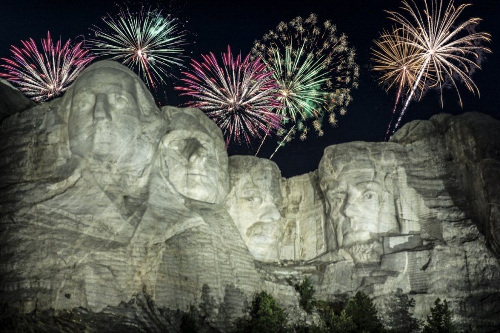 mount rushmore with fireworks