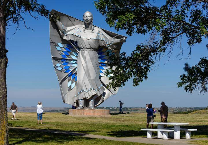 Dale Lamphere Dignity monumental stainless steel sculpture