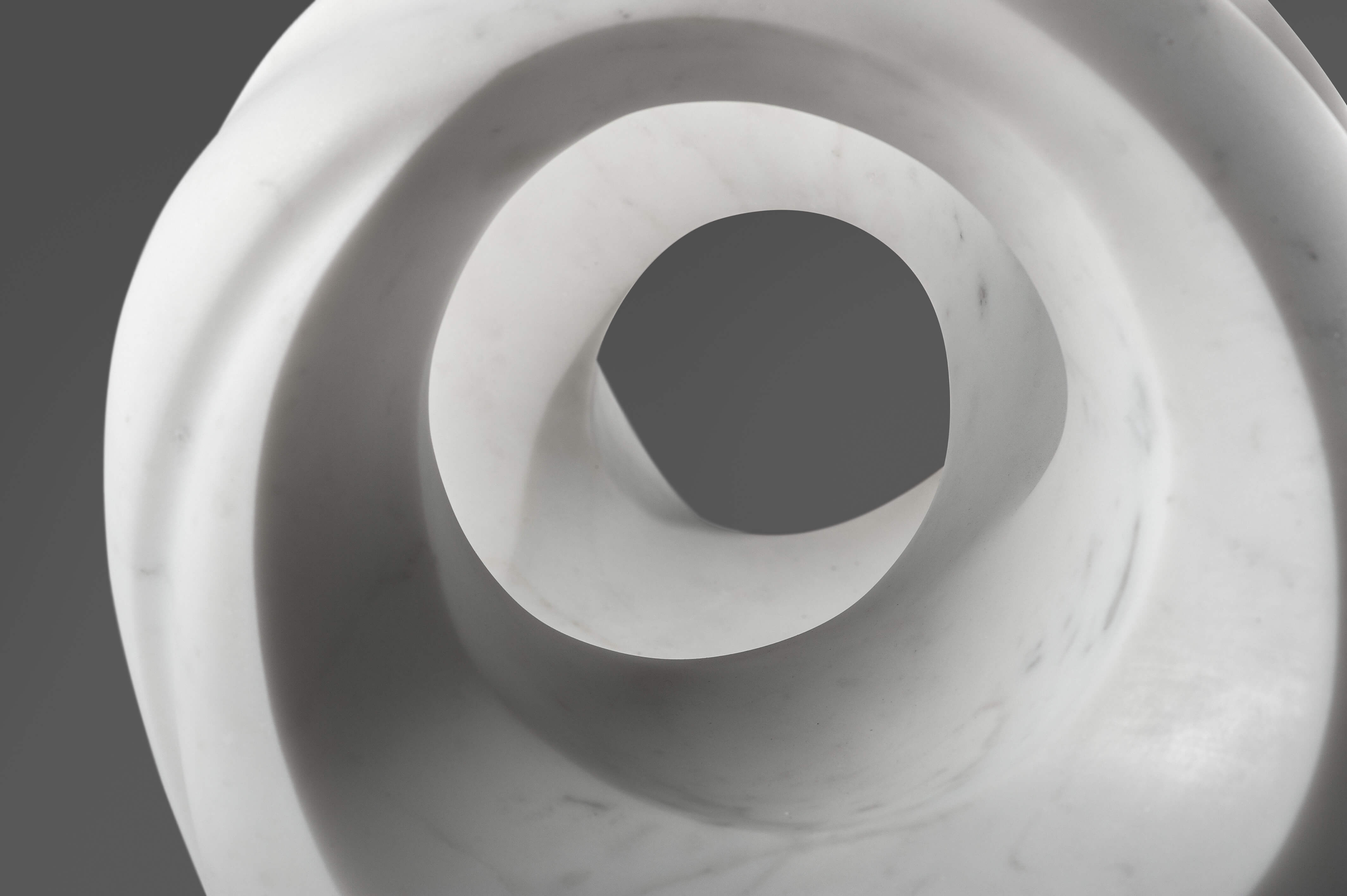 marble sculptor Yoko Kubrick 7