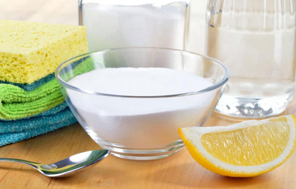 Limpe a chaleira da escala de ácido cítrico