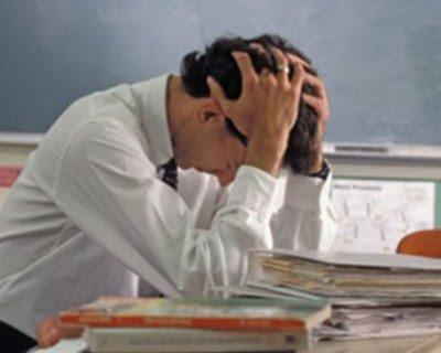 Risultati immagini per immagini insegnanti stanchi