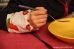 Insegnare ai bambini a non sporcarsi a tavola