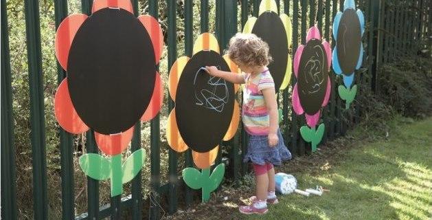 Giochi all'aperto che stimolano esperienze di crescita