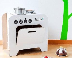 Idee per costruire una cucina giocattolo in cartone
