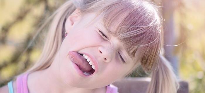 Perché un bambino inizia a parlare in modo infantile?