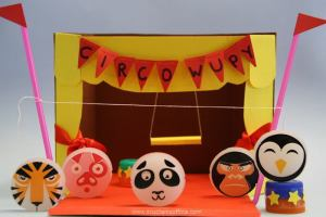 Creare un piccolo circo con la carta e la colla Wupy