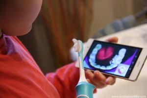 Spazzolino elettrico per bambini: Philips Sonicare For Kids (interattivo)