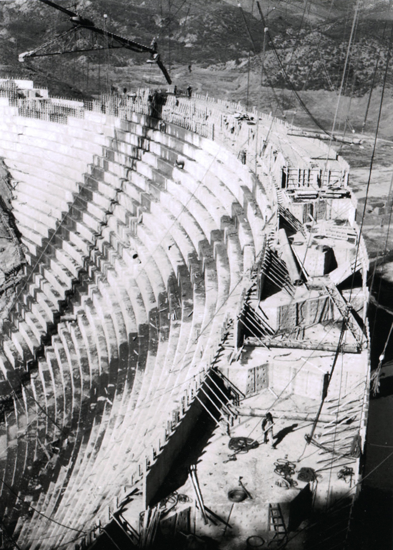 St. Francis Dam Construction SAN FRANCISQUITO CANYON. Photos of the St. Francis Dam disaster.