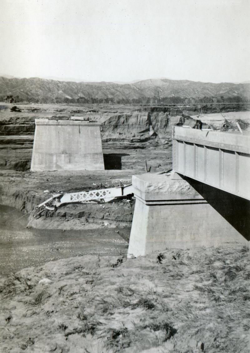 Auto Bridge Over Santa Clara River  CASTAIC JUNCTION | ST. FRANCIS DAM DISASTER