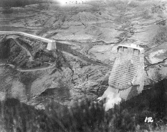 View of the dam site after the collapse.