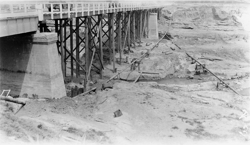 Temporary Repairs to Auto Bridge Over Santa Clara River CASTAIC JUNCTION