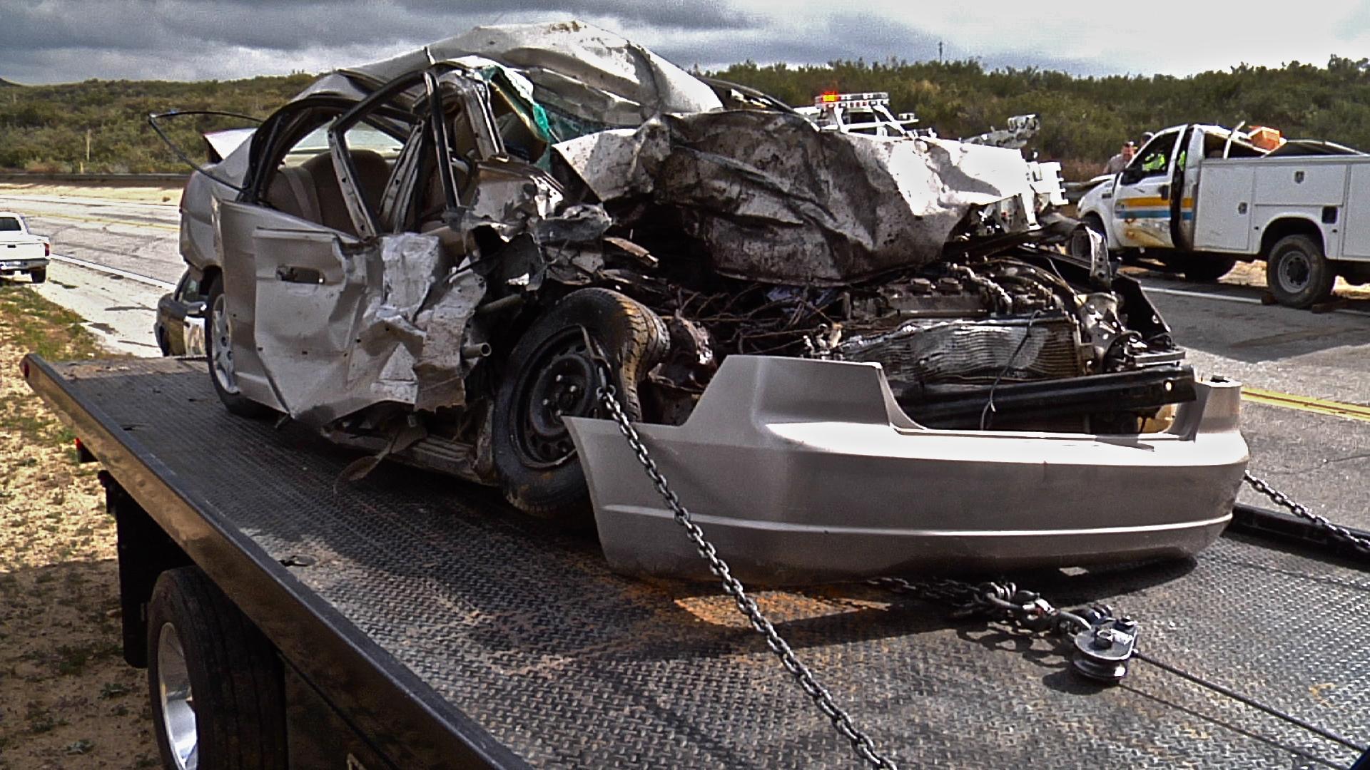 Monday: Fatal Collision on Lake Hughes Road   02     - SCVNews com