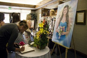 funeral-memorial-held-saugus-high-senior-jennifer-stift-43598-3