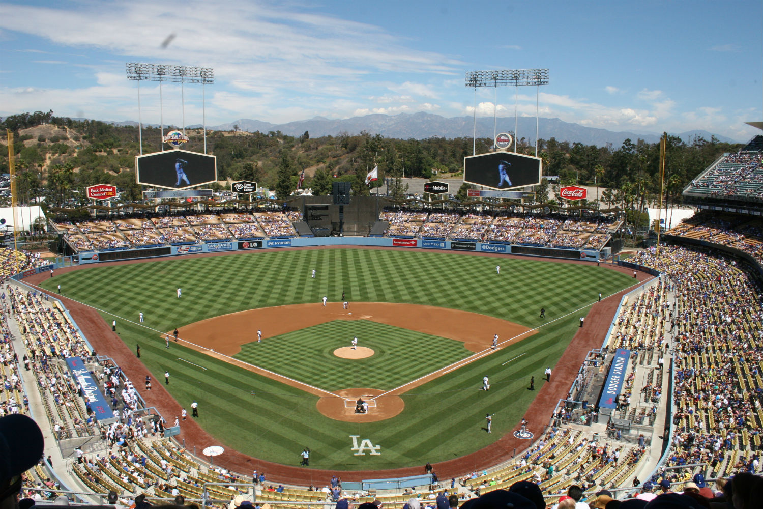 SCVNews.com | Dodgers Honor Kirk Gibson Homerun with Seat in Right Field Pavilion | 03-20-2018