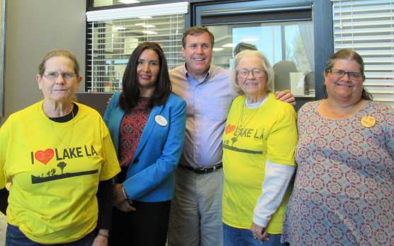 Sen. Scott Wilk met with people from iHeart Lake Los Angeles last week to discuss the unlawful dumping of trash problem. Pictured with him: Lyn Bateman, Gloria Ocegueda, Shirley Harriman and Jackie Livingstone. | Courtesy photo.