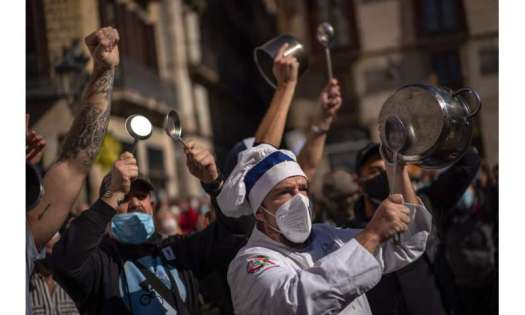 Spain orders nationwide curfew to stem worsening outbreak