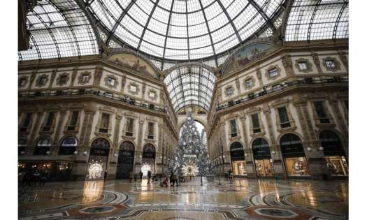 Italy enters Christmas lockdown limiting holiday travel