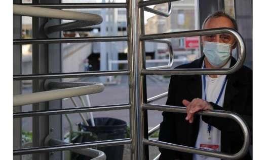 Amid virus surge, Paris hospitals begin to see signs of hope