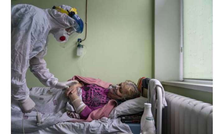 'Catastrophically short of doctors': Virus surges in Ukraine