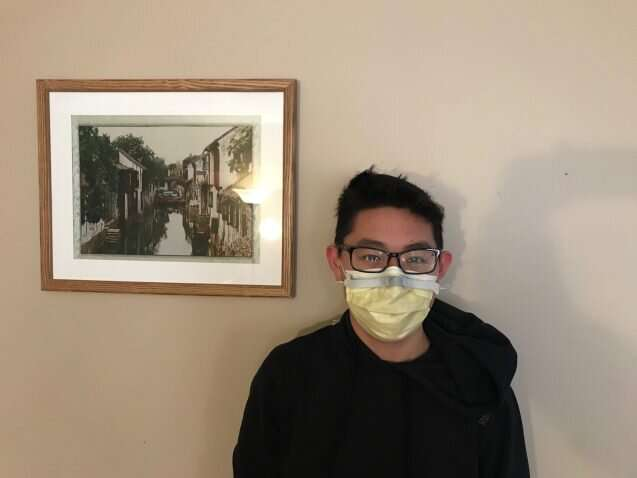 A study looks at how to disinfect your mask at home