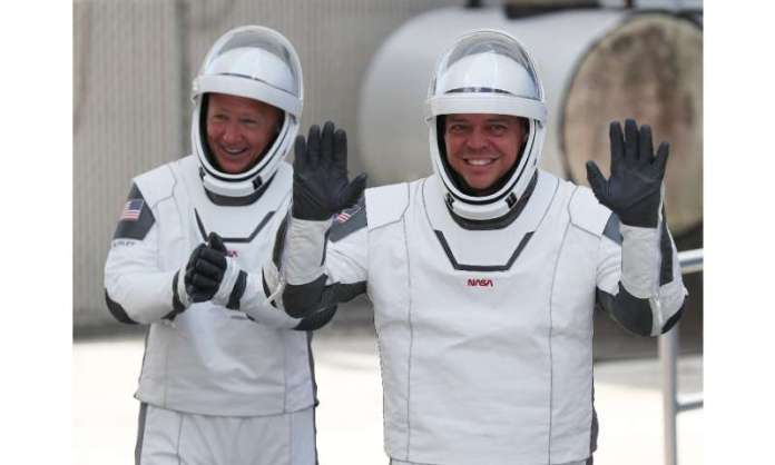 Bob Behnken (r) and Doug Hurley (l) blasted off from Cape Canaveral on May 30 on board a SpaceX Crew Dragon, and are supposed to
