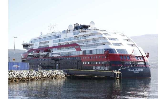 Norway cruise ship passengers with coronavirus reach 43
