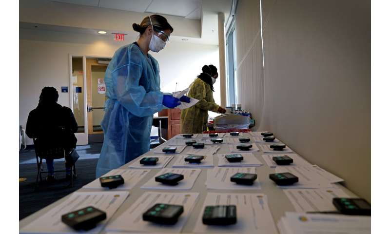 Calls grow for US to rely on rapid tests to fight pandemic