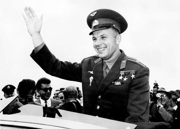 गागरिन का मिशन सोवियत संघ के लिए एक प्रचार तख्तापलट था, जो पश्चिम के साथ अंतरिक्ष की दौड़ में एक बड़ी जीत थी