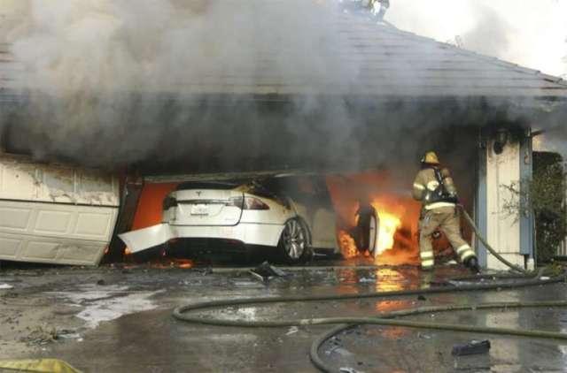 Le NTSB affirme que les incendies de batteries de véhicules présentent des risques pour les premiers intervenants